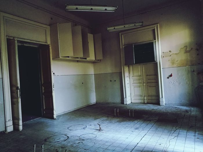 The Week On EyeEm Abandoned Indoors  House Architecture Old Ruin No People Built Structure Door Domestic Room Business Finance And Industry Home Interior Doorway Space Day Confined Space