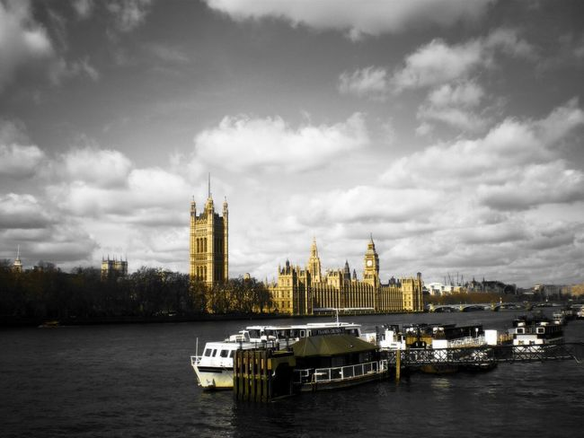 This photo is and always will be one of my favorite shots from when I lived in London 😊 City Architecture Travel Destinations River Business Finance And Industry Building Exterior Cultures Travel Urban Skyline Cloud - Sky Tower Clock Tower Cityscape Built Structure Outdoors No People Bridge - Man Made Structure Ferris Wheel Water Tree River Thames London Lifestyle Everyday Life Memories Of The Past EyeEmNewHere