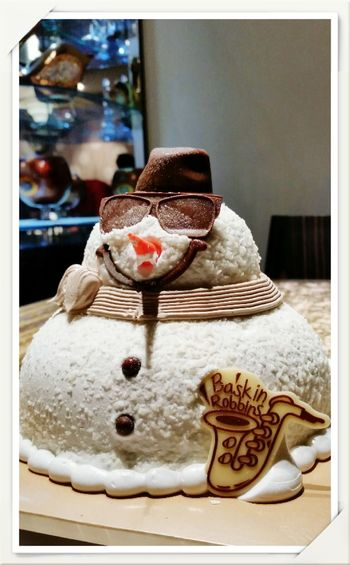 It is my birthday today!! My cake....love it. Happy Birthday! Cake Birthday Cake Snowman⛄ Snowman Snowcake