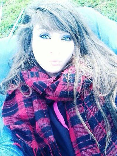 """""""Chaque chose qui se passe dans notre vie n'est pas anodine.. que ce soit une chose positive ou négative, ce sont des expériences qui nous font avancer dans le bon sens.."""" Me Hello World Helloboysandgirls Soleil Sun ☀ Revolution Kiss Fuckyeah EyeEm Gallery BlueEyes Its Me Sportwear Portrait Girly Long Hair Blueeyesbrownhair"""