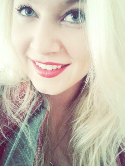 Me Blonde Red Lips Blonde Girl