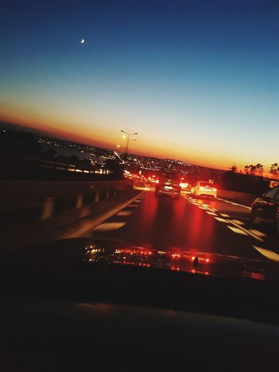 Traffic-Moon-Sea