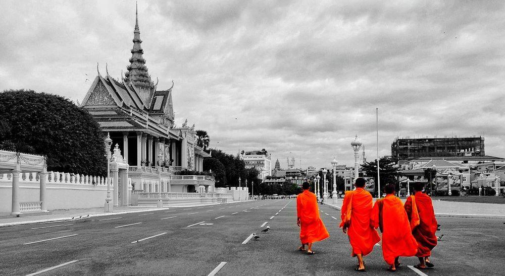 The monks IPhoneography Iphonephotoacademy Iphonephotographyschool
