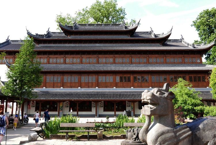 Architecture Building Exterior Built Structure Statue History Tree Sculpture Cultures Day Roof Place Of Worship Travel Destinations Outdoors Eaves Religion No People Chinese Chinese Culture Chinese Architecture Building Park Leica D-Lux Architecture And Art