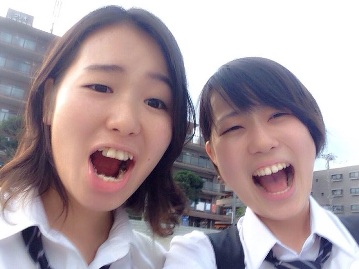 I am high school student. plase follow me <3 Bff
