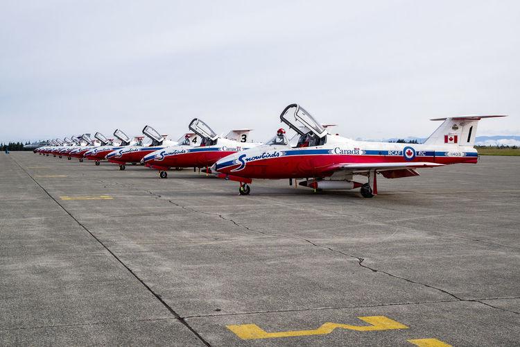 Aircraft Repeating Patterns Snowbirds