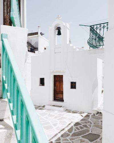Paros Church EyeEm Gallery Vacations Cyclades EyeEm Best Shots Travel Destinations EyeEm Selects TheWeekOnEyeEM EyeEmNewHere Built Structure Architecture Building Exterior Building No People Day Window Spirituality Religion Sunlight Entrance White Color Wall - Building Feature Belief Place Of Worship Door Staircase