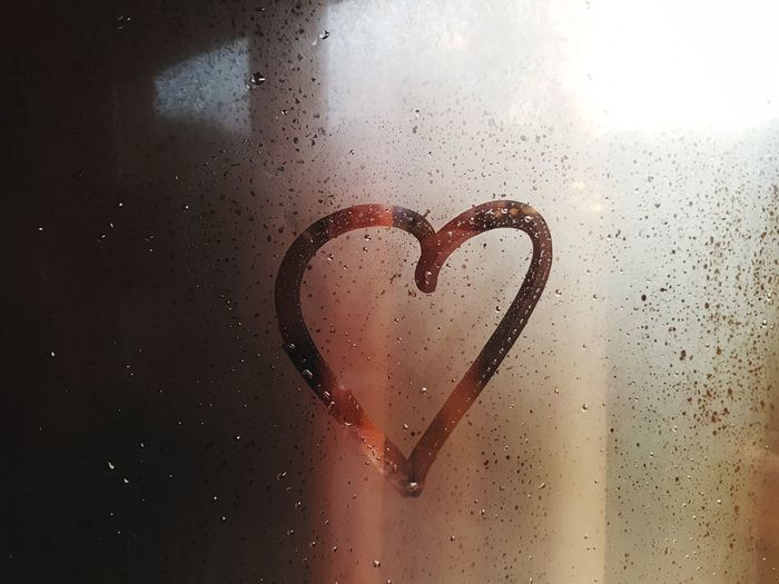 Picoftheday The Week on EyeEm Photooftheday Pictureoftheday Heart Heart Shape Heart ❤ Window Rainy Days Melancholy Melancholic Love Heart Shape Close-up Condensation Drop Wet High-speed Photography Rain Rainfall Water Drop Rainy Season RainDrop