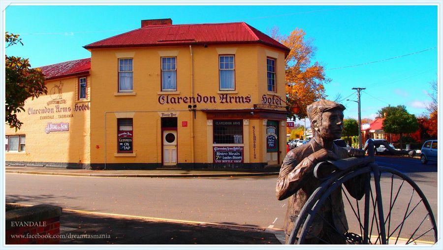 Discover Tasmania Travel Statue Enjoying Life