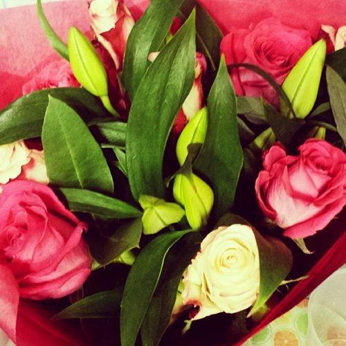 Valentines Rosesandlilys Bouquet Flowers