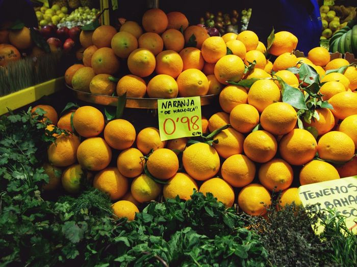 Marketplace Market Market Stall Orange Orange Color Fruit Healthy Eating Market Text Freshness Orange - Fruit Food And Drink Food Citrus Fruit Price Tag Market Stall For Sale Organic Retail  Choice Large Group Of Objects
