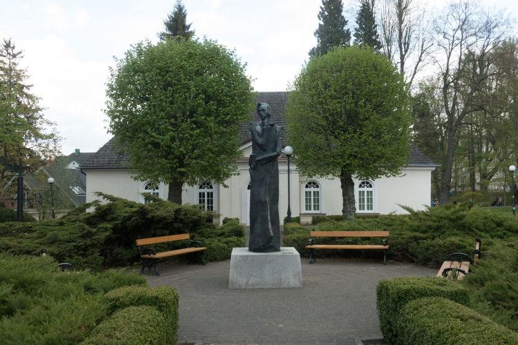 Bath Pijalnia Wód Mineralnych Architecture Chopina Dusznikizdroj Green Color Mineral Sculpture Sky Statue Water