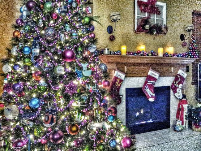 Christmas tree and living room decorations with fireplace EyeEm Best Shots Christmas Decorations EyeEmbestshots Christmastree Eye4photography  Color Photography Colorphotography Christmas Time Ornaments Decorations Christmas Spirit Christmas Decoration Christmas Around The World Ornament Chistmas Christmas Tree Christmas Is Coming Holiday Happy Holidays! Happy Holidays Happyholidays Taking Pictures Seasonal Christmastime Color