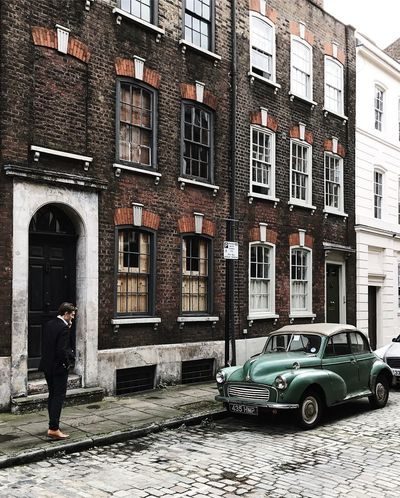 London Spitalfields   conversations and cobbles Cobblestone Streets EyeEmNewHere Georgian Architecture London Morris Minor 1000 The Week On EyeEm Travel Travel Photography Architecture Brick Building Exterior Built Structure Car City Cobbled Streets Cobblestone England Historic Lifestyles Outdoors Real People Travel Destinations Urban Urbanphotography Window first eyeem photo