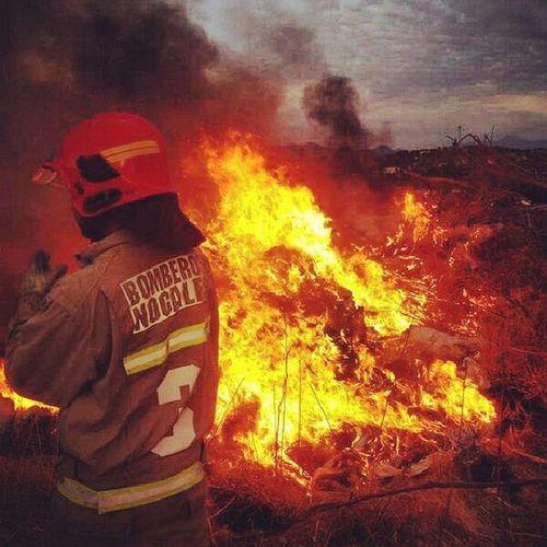 El infierno Bombero BomberosDeChile Instabombero Bomberovoluntario Firefighter Fire instachile
