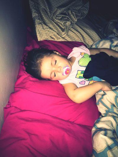 Daddy stocking his girls at 3 o'clock in the morning! Enjoying Life Daughter Daughters Mylove Mylife Bouzakisfamily Beautiful Babygirl Bouzakis OliviaWilde