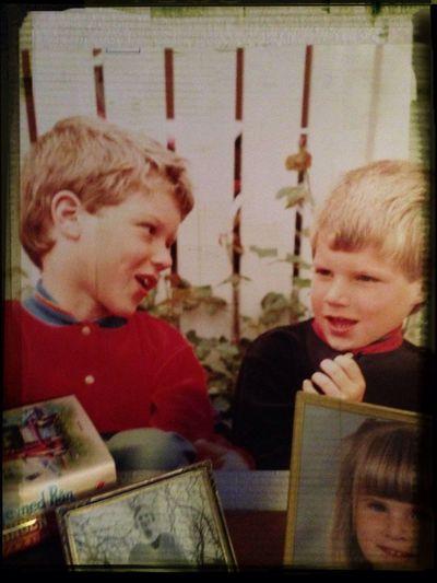 Jag och min bror för 30 år sedan Barndom