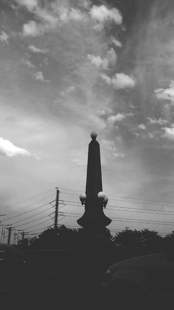 Cloud - Sky Sky Architecture Outdoors Lamp Post Lamppost Streetphotography Bnw_collection Architecture Bnw Mistic Atmosphere The Great Outdoors - 2017 EyeEm Awards The Great Outdoors– 2017 EyeEm Awards The Street Photographer - 2017 EyeEm Awards Blackandwhite NEM Black&white NEM Street Blancoynegro Bnw_captures Black And White Blackandwhite Photography Black And White Photography Black & White