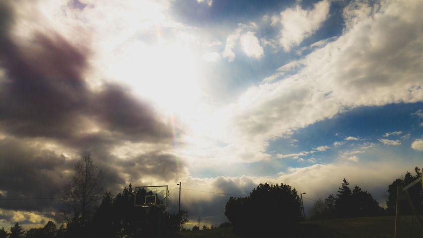Takapiha 😱 ©️JaniVauhkonen Cloud - Sky Tree Sky Outdoors No People Nature Day Beauty In Nature JaniVauhkonen LGG4