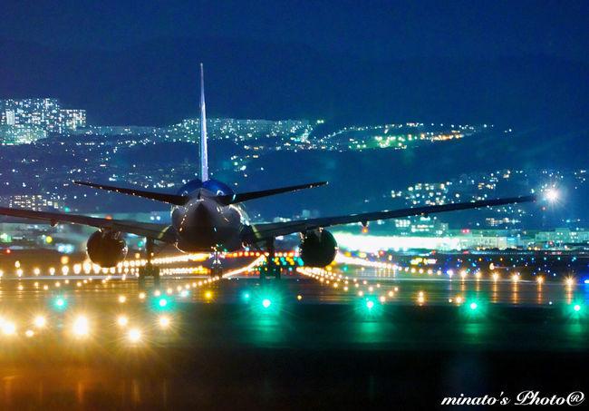 何十枚も撮影して、いいと思えるのは、ほんの数枚。なかなか難しいです(^_^;) EyeEm Best Shots EyeEm Night View Eyem Gallery 大阪 千里川 飛行機 Eyemphotography