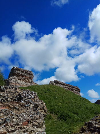 Burgh castle Cloud - Sky Nature Blue Sky Outdoors Beauty In Nature Day Walking Around Norfolk England🇬🇧