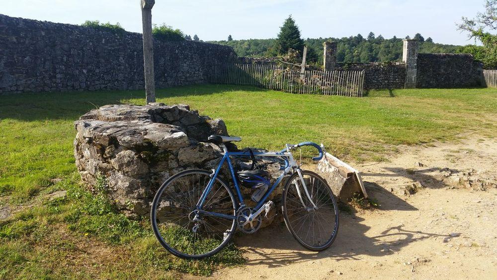 Le vélo, c'est magique. Cycling Velo Nature Oradour Sur Glane