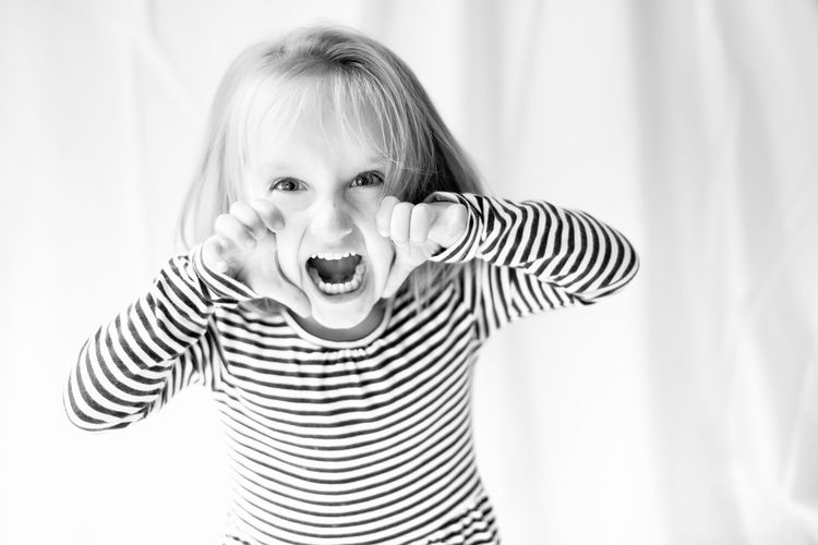 Scream Brave Children Children's Portraits Cry Fun Girl Power Kids Of EyeEm Brave Children Children's Portraits Cry Fun Hands Kids Kids Being Kids Kids Playing Shopping Child Childhood Children Only Children Photography First Eyeem Photo Front View Girl Kid Kidsphotography Looking At Camera Mouth Open Portrait Scream Screaming EyeEmNewHere The Portraitist - 2018 EyeEm Awards