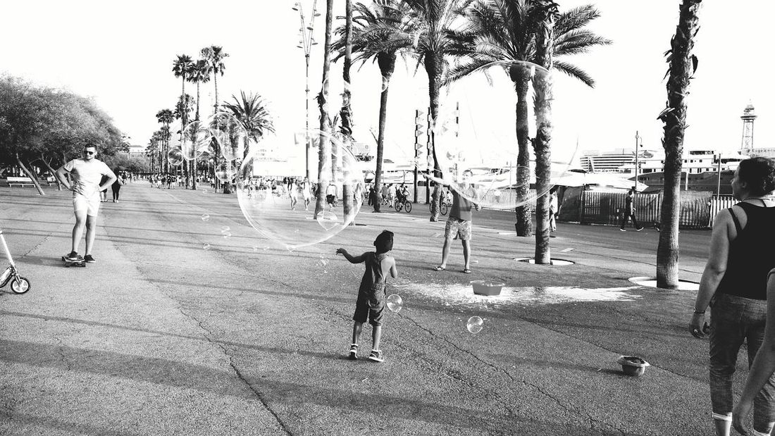 Bubbles Blackandwhite People Kids Sea