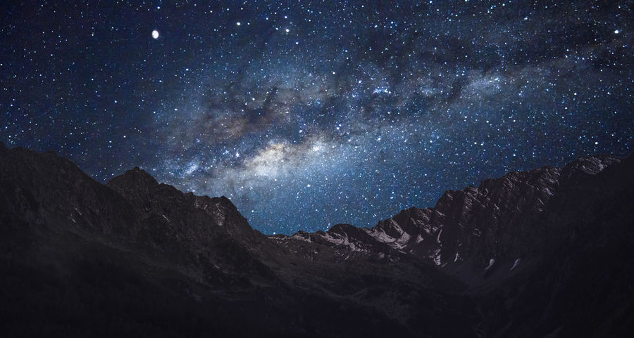 Clear Sky Galaxy Moon Adventure Astronomy Astrophotography Clear View Illuminated Mountain Mountain Range Night No People Outdoors Star - Space Stargazing Stars Summer Summer Night