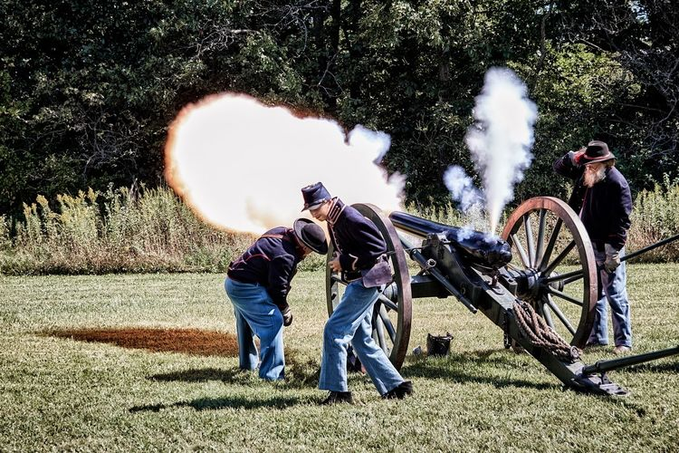 Civil war reenactment capturing the moment the cannon fires The Great Outdoors With Adobe Tree Landscape Nature Cloud Outdoors Day Grass In The Suburbs. War Civil War Cannon Canon Canonphotography