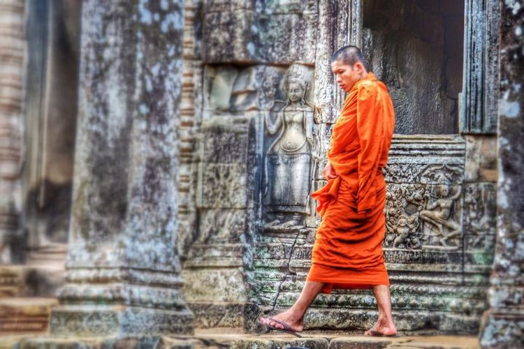 Cambodia Angkor Wat Bayon Temples Monk  Orange Traveling Tadaa Community What A Wonderful World