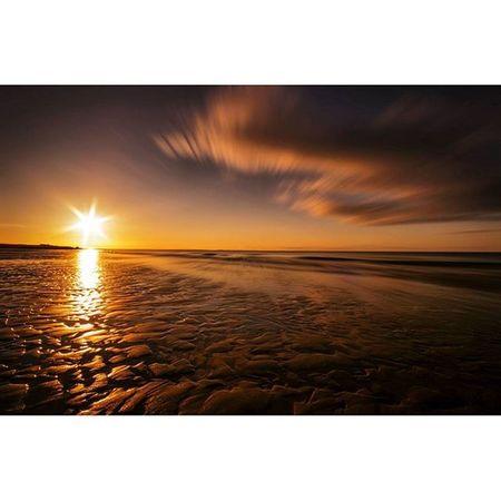 Bamburgh beach... Sunset Bamburgh Explorenland Northumberland CapturingBritain Icu_britain Ukpotd Ig_britishisles Sunset_love Sunset_captures_ Sunsetsnipers Naturelovers Fiftyshades_of_nature Loves_united_kingdom Beach