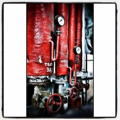 HausDerOffiziere W ünsdorf Kesselhaus Onceuponatime livinghistory Ventil Rad rot Thermostat