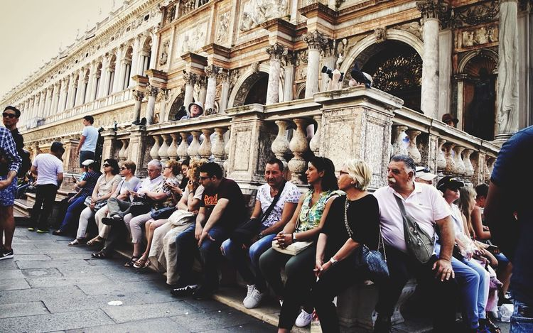 People Watching Taking A Break Hard Job Turistlife Markusplatz Scenery Shots Travel Photography Venice, Italy Beauty In Ordinary Things