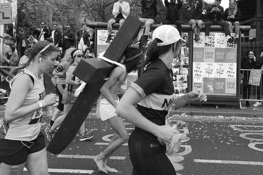 London Marathon 2017 London Marathon Black And White London Runners Mobilephotography