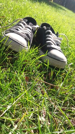 Grass Day No People All Stars ⭐⭐⭐ All Star Shoes Growth Field Park grassGrass Special Day ❤ Green Color Growth Outdoors Nature Golf Day No People Green Color Growth Outdoors Nature Field Golf Day No People
