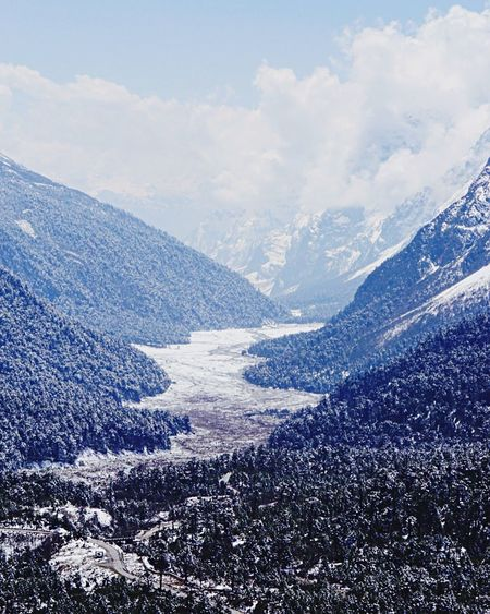 Top Perspective Snow Yumthang Valley Top View Mountain Range Landscape Beauty In Nature like Painting