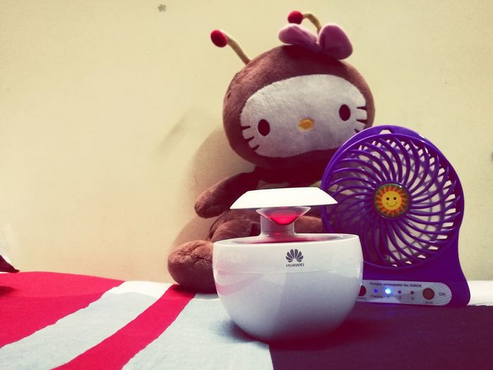 bee...Colour Of Life Doll Listening To Music Charger Fan Relaxing Huawei Summer On My Bed Week On Eyeem Crafted Beauty