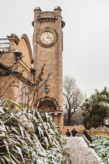 The Victorian Clock Tower at Horniman Museum and Gardens in Forest Hill, South London Forest Hills Gardens Se23 South London Winter Architecture Building Exterior Clock Clock Tower Forest Hill Hornimanmuseum Outdoors Snow Time