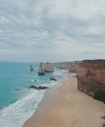 The Twelve Apostles Greatoceanroad Melbourne To Adelaide Drive Roadtrippin' Australia Touristing  Tourist 12apostles Great Ocean Road