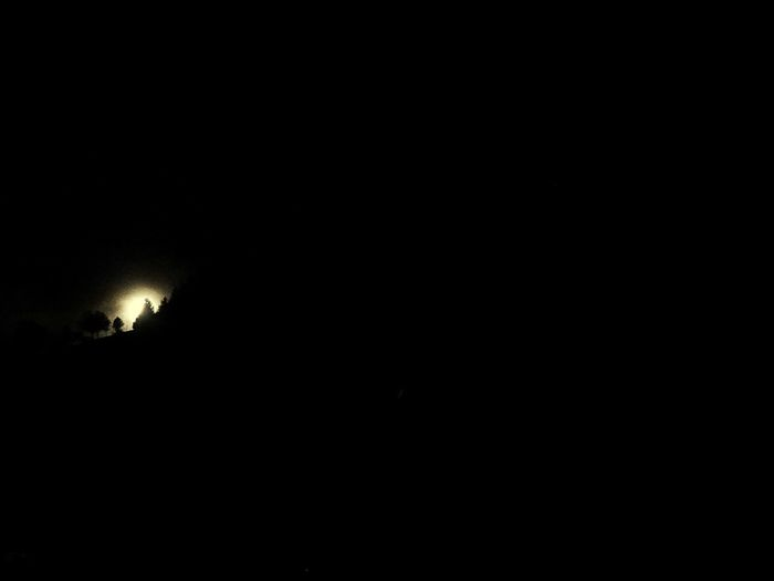 """""""Moon in the dark""""🌕 Moonlight Like Follow4follow Night Copy Space Sky Illuminated No People Nature Silhouette Dark Beauty In Nature Moon Outdoors Scenics - Nature Tranquil Scene EyeEmNewHere"""