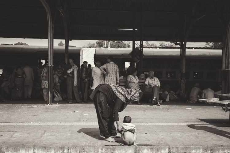 Standard views from an Indian train, EyeEm Gallery Streetphotography EyeEm Best Shots Streetphoto_bw Snapshots Of Life Hanging Out EyeEm Best Shots - Black + White Enjoying Life Check This Out Noir