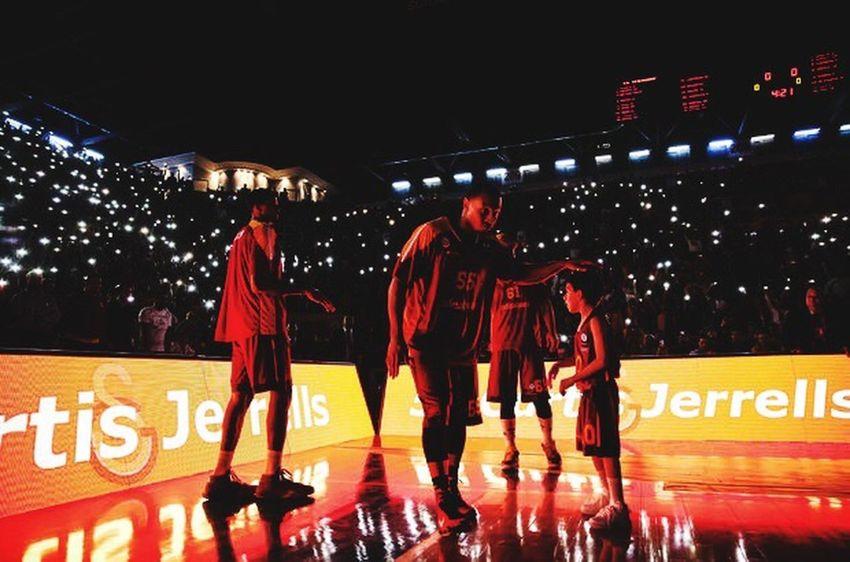 ... forza Galatasaray 🏀🏀🏀❤️️ ... Galatasaray Cimbom 💛❤️ GalataSaray Galatasarayodeobank Basketbol