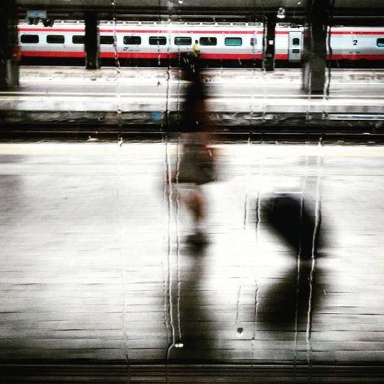 Rain to station Omaggio a @gianlucaquarto Ig_asti_ Ignapoli Ig_naples Napolipix Italotreno Ig_napoli_ Igtrain Rain Vedinapoliepoimuori Rainfromwindow Trainstation Ferragosto2015