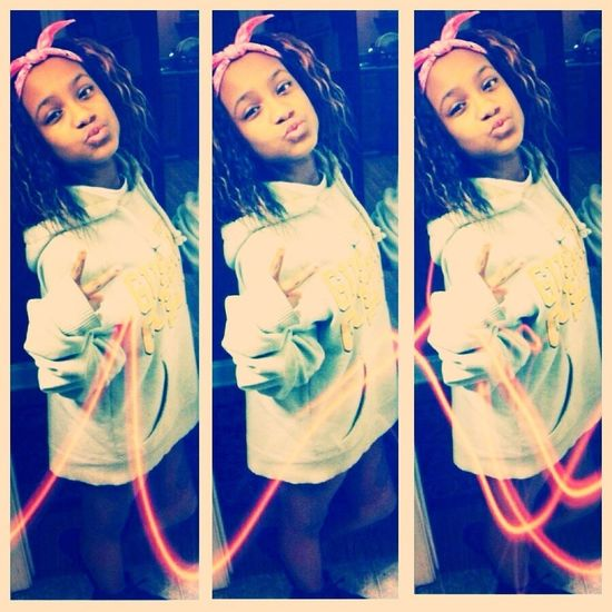 All my bxtchez love me , and i love all my bxtchez !