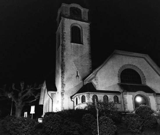 Church Night Architecture Illuminated Low Angle View Outdoors Built Structure Religion Tree Spirituality Place Of Worship Christmas Building Exterior No People Cross Sky