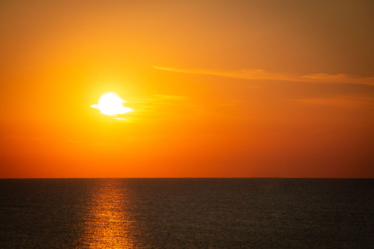 Sunrise on the Adriatic Sea in Italy Sonnenaufgang Beauty In Nature Bright Horizon Horizon Over Water Idyllic Morgenstimmung Nature No People Orange Color Outdoors Scenics - Nature Sea Seascape Sky Sonne Sun Sunlight Sunset Tranquil Scene Tranquility Urban Skyline Water