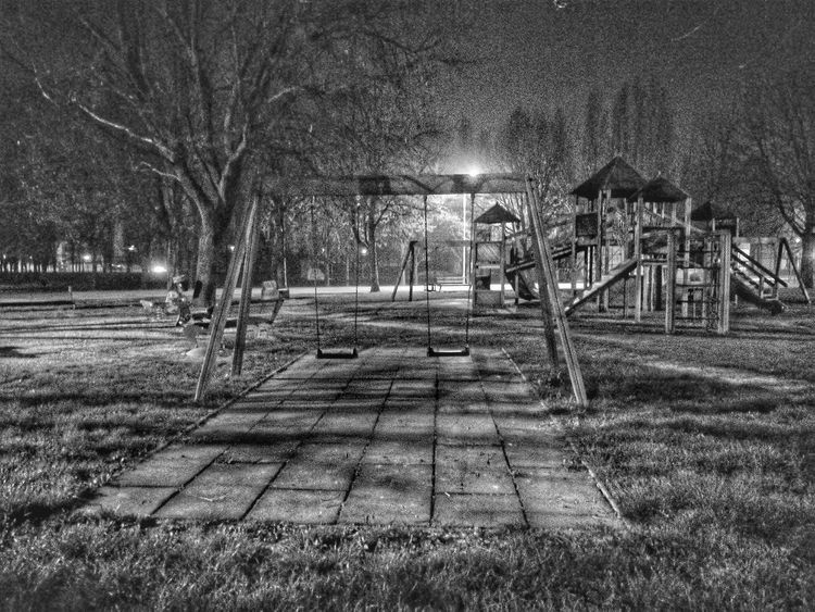 Night No People Outdoors Tree Italy🇮🇹 Altalena Streetphotography Blackandwhite Hdr_Collection EyeEmNewHere Welcome To Black