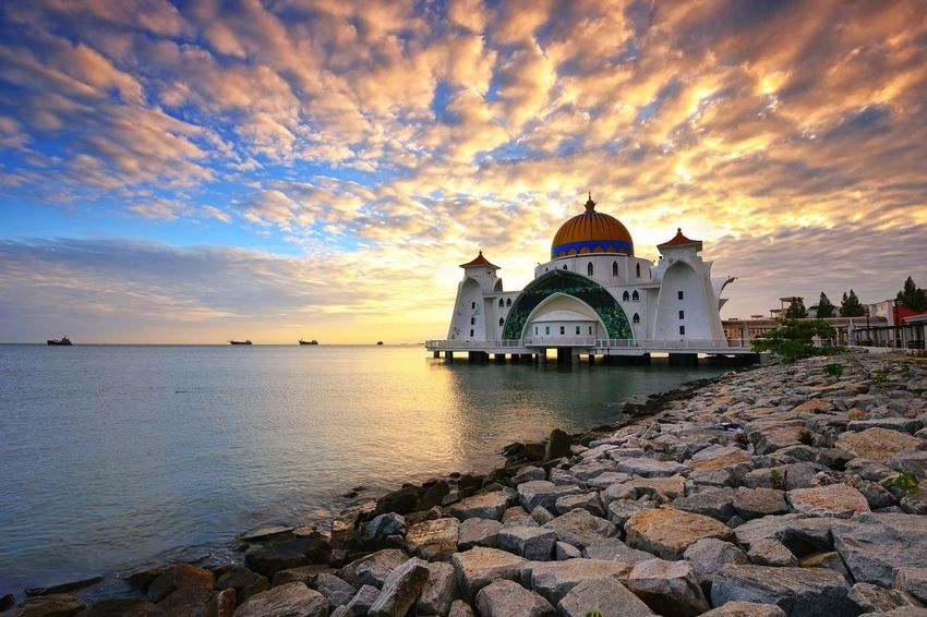 Sunrise over Straits mosque, Malacca Landscape Sunrise Sunset_collection Sky And Clouds View Travel Destinations Getty Images EyeEm Best Shots EyeEm Selects Malaysia Beautiful Mosque Architecture Masjid Sunset Water Place Of Worship Dome Religion History Business Finance And Industry Sky Architecture Building Exterior Scenics Horizon Over Water Tranquil Scene Seascape Shore Tranquility
