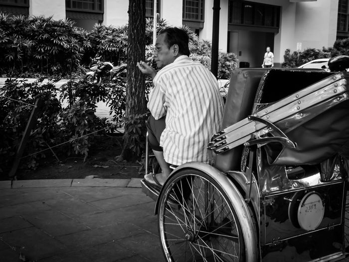 Carts. People Candid Candid Photography Blackandwhite Black And White Black & White Streetphotography Streetphoto_bw Old Nature